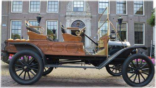 Old Model T Ford 01